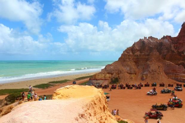 Falésias da Praia do Gunga.